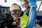 英宠物犬变飞机副驾获颁机务人员证件_大千世界