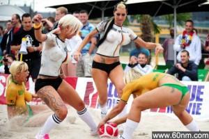 大胸美女裸体世界杯 揭诱人的裸体运动_大千世界