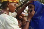 喀麦隆奇特风俗:儿子竟可娶母亲为妻_大千世界