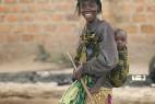 令人叹为观止!实拍非洲人的铁头功_大千世界