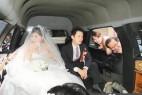 道士娶新娘 六辆加长奔驰灵车做婚车_大千世界