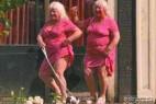 70岁双胞胎姐妹卖淫50年接客35万人_大千世界