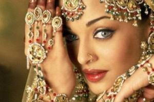 为破克夫命 印度第一美女竟嫁香蕉树_大千世界